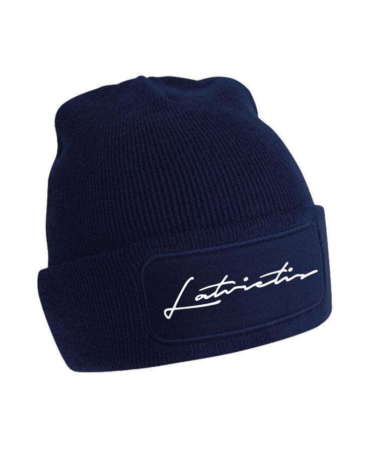 """Cepure ar tumsā atstarojošu uzrakstu """"Latvietis"""""""