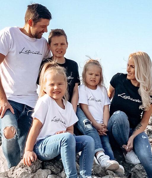 """Ģimenes  5 T-kreklu komplekts """"Latvietis/e"""""""